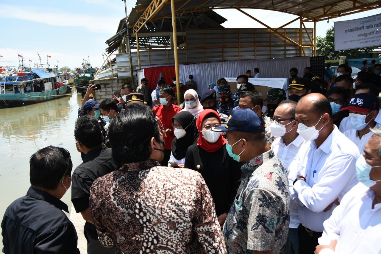 Bupati Nina Paparkan Potensi Perikanan Indramayu Di Depan Pak Menteri